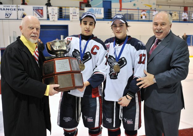 2012_OHL_Cup_Rebels_Trophy1023