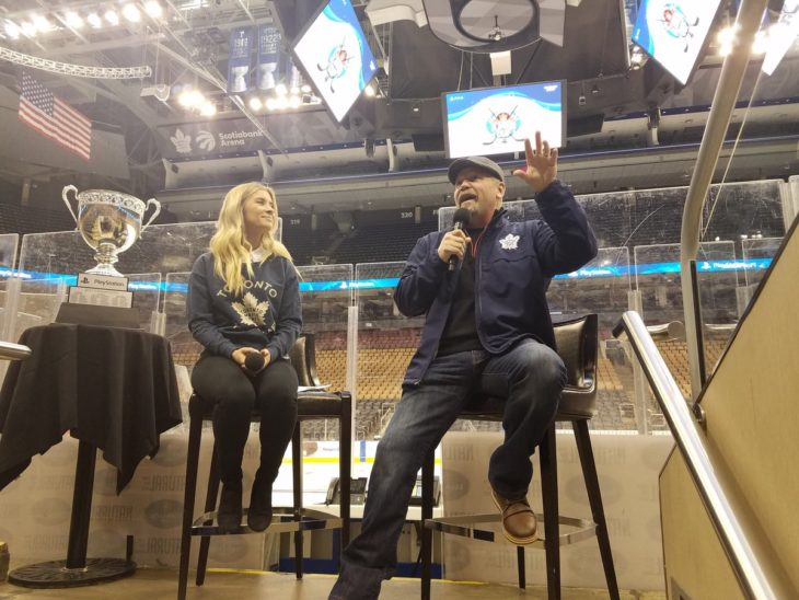 Wendel Clark answers questions from players participating in the PlayStation Platinum Cup.